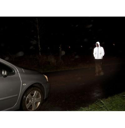 reflexjackan synlig i mörker